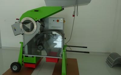 Laboratórna mláťačka zrnín